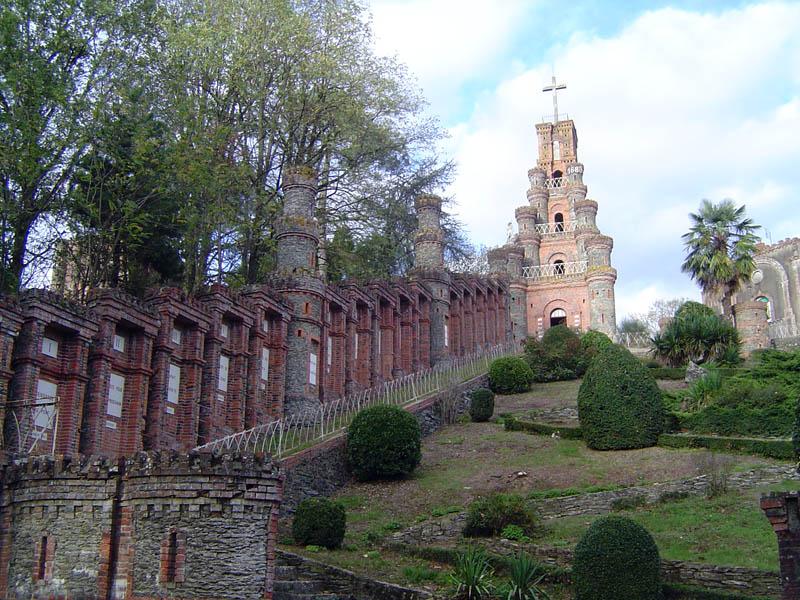 N d de la salette p lerinages de france - Le chateau des oliviers de salette ...